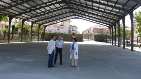 Dos centros educativos de Maracena, los CEIP Emilio Carmona y Las Mimbres, contarán con una inversión cercana al millón de euros para realizar mejoras energéticas y otras actuaciones en sus infraestructuras