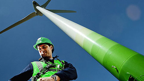 La localidad cordobesa de Fernán Núñez acoge durante estos días un ciclo de conferencias en torno al empleo verde con el que se pretende promover este tipo de actividad económica sostenible en la zona