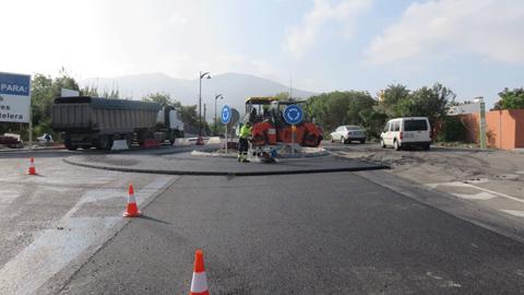 Más de una veintena de calles de Alhaurín El Grande se beneficiarán de una remodelación integral gracias a un Plan de Asfaltado Municipal que cuenta con una inversión que supera los 140.000 euros