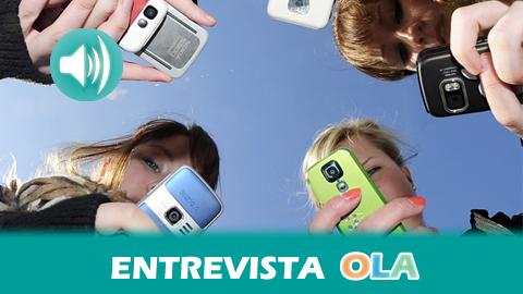 """""""La infancia debe conocer los riesgos del móvil, no para crear miedo sino para generar consumidores formados que sepan defender y proteger sus derechos"""", Javier Moya, jefe del servicio de Consumo en Córdoba"""
