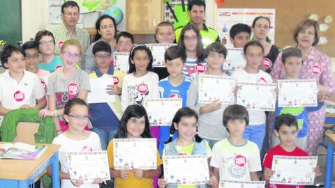 """El municipio jienense de Arroyo del Ojanco acoge las II Jornadas """"Arroyo Educación Vial"""" con las que los más pequeños de la localidad se han formado como futuros conductores y peatones responsables"""