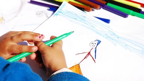 La provincia de Cádiz celebra el I Certamen de dibujo para escolares 'Mi familia igualitaria' con el objetivo de promover las relaciones familiares igualitarias, la igualdad de género y la corresponsabilidad