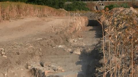 Unas obras en el entorno del yacimiento de El Lavadero de Marchena permiten sacar a la luz nuevos restos romanos que se suman a otros hallazgos relevantes de los últimos años, como un aljibe o ajuares funerarios
