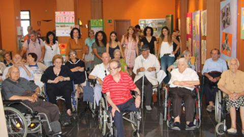 La sala de exposiciones del Centro Sociocultural Jesús Quintero de San Juan del Puerto acoge hasta el próximo 8 de julio una exposición de arteterapia realizada por personas mayores del municipio onubense