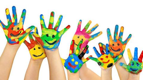 Los niños y niñas de entre 4 a 14 años de la localidad cordobés de Iznájar podrán participar en la iniciativa de un taller de arte con plazas limitadas que tendrá lugar del 20 de julio al 20 de agosto
