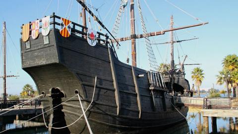 La Rábida celebra hoy su segundo día de jornadas de puertas abiertas, en la que se exhiben réplicas de las naves de Cristóbal Colón, entre talleres, animación, música y otras actividades totalmente gratuitas