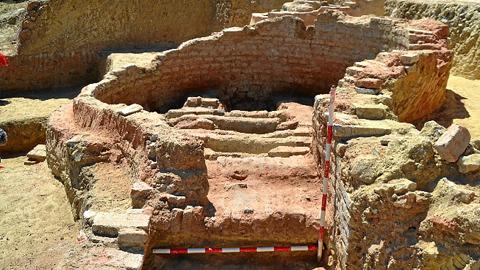 Elgrupo de investigación 'Urbanitas: Arqueología y Patrimonio' reanuda las excavaciones en el puerto antiguo de Palos de la Frontera con el objetivo de que se pueda visitar este espacio arqueológico en marzo