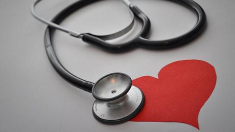 La Unidad de Gestión Clínica de Aracena obtiene el distintivo 'Centro contra el dolor', en premio a sus buenas prácticas en la asistencia a las personas que sufren este problema de forma crónica