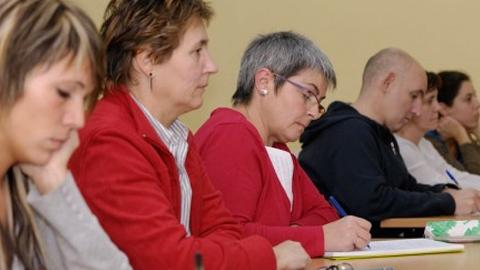 El próximo 5 de octubre comenzarán las clases para el acceso a la Universidad que organiza el Ayuntamiento malagueño de Manilva, organizadas en un grupo para mayores de 25 años y otro para mayores de 45
