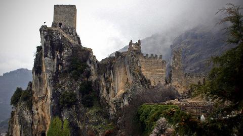 La Diputación de Jaén respalda la iniciativa de La Iruela para ser declarada por la Junta de Andalucía como 'Municipio Turístico' debido a la singularidad de su patrimonio histórico y paisajístico