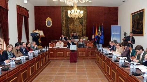 Hornachuelos y Nueva Carteya se encuentran entre las localidades cordobesas beneficiadas por los 300.000 euros de la partida que la Diputación provincial destina al nuevo proyecto de reparto de fomento