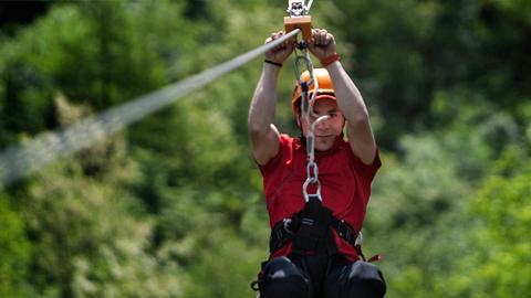 Casares proyecta instalar un tirolina de 300 metros de longitud como reclamo para el turismo rural y de aventura, fomentando además la contratación de mano de obra local para su construcción y funcionamiento