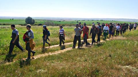 La asociación ecologista Ituci Verde, de la localidad de Escacena del Campo, prepara su próximo ciclo de senderismo para que los vecinos y vecinas de la zona puedan disfrutar de actividades de ocio saludable