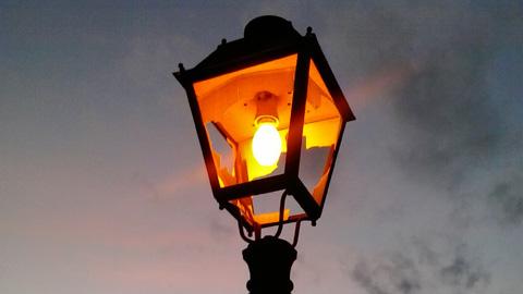 Fuente Obejuna busca conseguir un ahorro de hasta un 40% mediante la sustitución de 125 puntos de luz por otros nuevos de tecnología LED dentro del plan de eficiencia energética de la Diputación de Córdoba