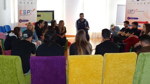 Jóvenes de la provincia de Málaga participan en el proyecto europeo ESPY, enfocado a mejorar su capacitación en habilidades a través de herramientas como el 'coaching' y la inteligencia emocional