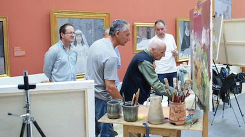 El Museo Casa Ibáñez, de la localidad almeriense de Olula del Río, acoge el V Curso de Realismo y Figuración, impartido en esta edición por los pintores españoles Antonio López y Andrés García Ibáñez