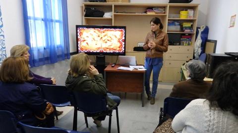 Un taller de lenguaje positivo y asertividad con el objetivo de fomentar el bienestar y la felicidad mediante la promoción del crecimiento personal, tendrá lugar cada martes de abril en Doña Mencía
