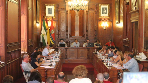 Sanlúcar de Barrameda aprueba sus presupuestos municipales con inversiones para jardines, parques infantiles adaptados y un punto de encuentro para la entrega de menores víctimas de violencia machista