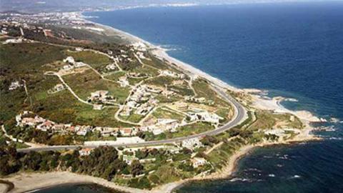 Manilva se niega a ser zona de fondeo tras la propuesta formulada por la Autoridad Portuaria Bahía de Algeciras al considerarla perjudicial a nivel económico, medioambiental, turístico y social