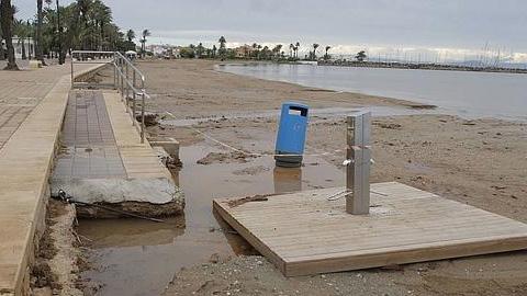 Albuñol se suma a un frente común de municipios de la Costa tropical afectados por los últimos temporales, que exigen la urgente reparación de sus playas para el disfrute de visitantes y turistas