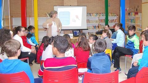 'Palabras al vacío' fomenta la lectura entre el alumnado de quinto y sexto de primaria de Rute dentro de las actividades programadas por el Día del Libro