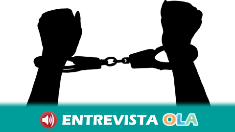 Multa de 150 euros para un periodista en aplicación de la ley mordaza por la cobertura de la protesta en Sevilla durante la visita del autobús de ultraderechas de Hazte Oír