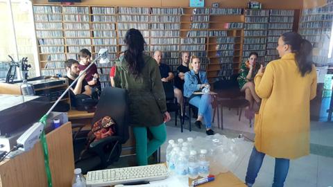Atarfe y Casares se suman a las localidades participantes en los talleres de alfabetización mediática de EMA-RTV 'Ponte al día, lee prensa'