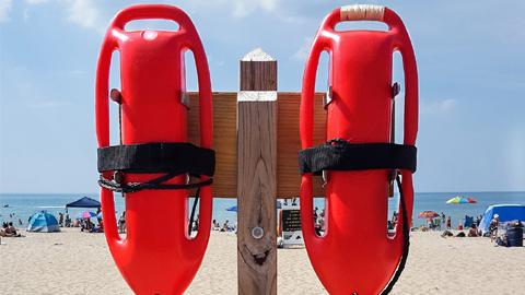 El balance estival de Cruz Roja en las playas de Mazagón y Nuevo Portil señala casi 1.000 intervenciones