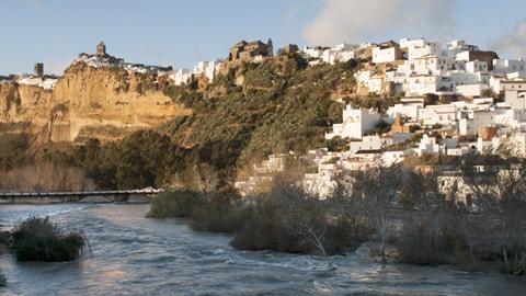 Las familias de Arcos de la Frontera desalojadas de sus casas en 2009 por peligros de deslizamiento, podrán volver a sus hogares
