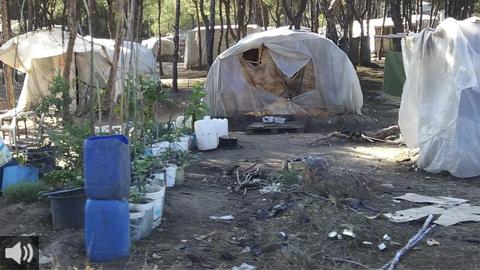 La Asociación La Carpa ayuda a las personas que malviven en los asentamientos de infraviviendas de la provincia de Huelva