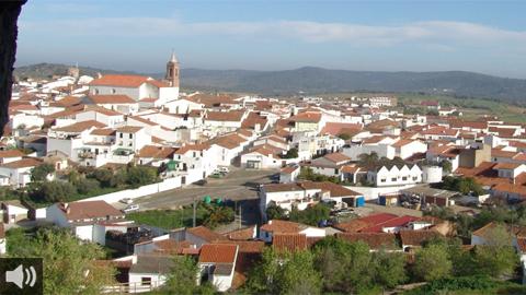 La falta de infraestructuras de transporte agrava el aislamiento del municipio onubense de Encinasola