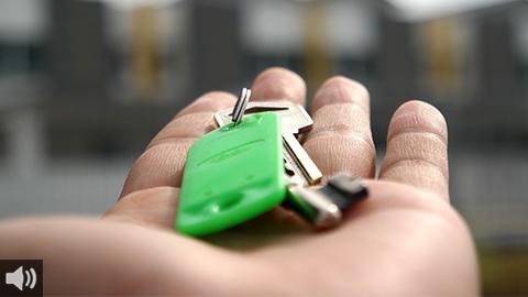 Los colectivos en defensa de la vivienda reclaman mayor peso de la vivienda pública de fácil acceso ante los desahucios y la especulación inmobiliaria