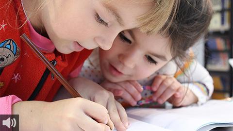 """'Es muy importante transmitir calma y seguridad para que las niñas y niños afronten de la mejor manera posible la vuelta a las aulas"""", Javier Vilches, psicólogo"""