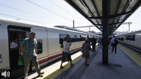 Greenpeace defiende el papel del ferrocarril como alternativa sostenible para reducir el número de vuelos para frenar la crisis climática
