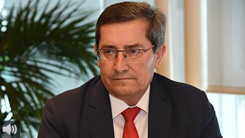 'En Granada declaramos el acceso a los servicios financieros como un servicio básico para la ciudadanía para combatir la exclusión financiera', José Entrena, presidente de la Diputación de Granada