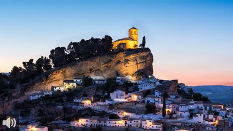 Las personas turistas que visiten la localidad granadina de Montefrío reciben en tiempo real en sus móviles información sobre sus monumentos