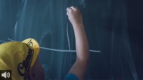 Los colectivos implicados en la enseñanza emprenden distintas acciones para denunciar la falta de seguridad en la vuelta a las aulas en Andalucía