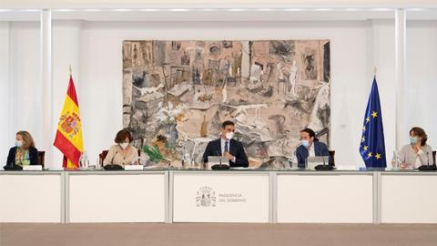 El Consejo de Ministros aprueba un nuevo decreto de estado de alarma para aplicar el toque de queda en toda España excepto en Canarias
