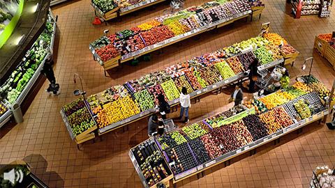 El mercado de gran consumo crece en los últimos meses mientras baja la renta de los productores