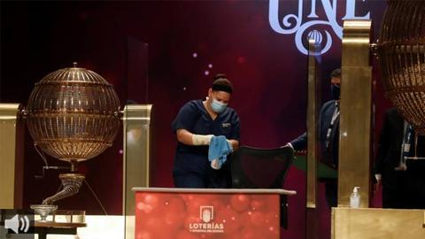 La lotería de Navidad reparte varios grandes premios en Andalucía, entre ellos, el premio gordo en Punta Umbría y Granada