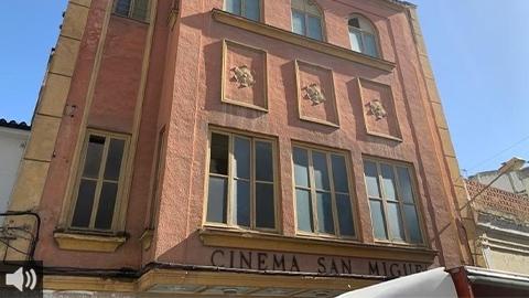 Martos se vuelca en la recogida de apoyos para conservar el icónico y céntrico Cinema San Miguel