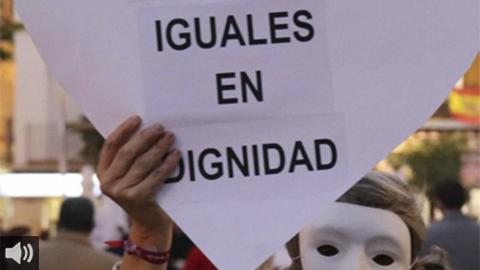 El movimiento voluntario de Cáritas Sevilla estrecha su acercamiento con las personas sin hogar para ayudarlas a transformar su situación