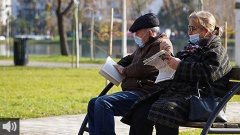 'Hemos visto la progresión de la incertidumbre y el miedo a la alegría de nuestros mayores, quienes siempre han dado ejemplo en esta situación difícil', Lorenzo Medina, alcalde de Guillena