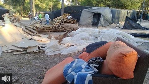 Cerca de un millar de personas migrantes continúan en situación de abandono tras los incendios en los asentamientos  de Níjar y Palos de la Frontera