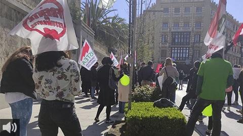 El movimiento estudiantil universitario reivindica el refuerzo de la enseñanza pública ante lo que considera mercantilización de la educación por parte del Ministerio