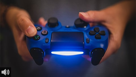 'Es muy importante saber qué videojuegos consumen nuestras hijas e hijos, ya que algunos pueden tener componentes violentos, sexistas o de azar', Raquel Castro, psicóloga