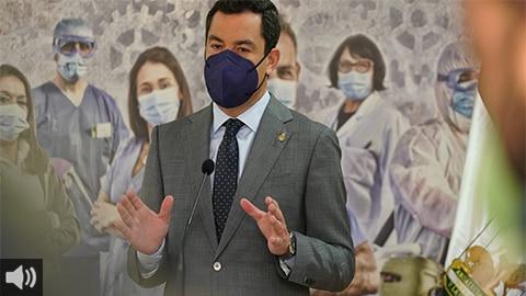 'Por ahora no tenemos sobre la mesa endurecer las restricciones vigentes por la pandemia', Juan Manuel Moreno, presidente de la Junta de Andalucía