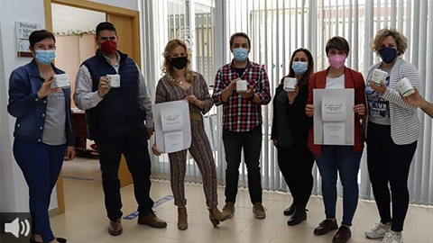 La campaña 'Te suelto el rollo contra el cáncer de colon' recala en el municipio granadino de Huétor Tájar para concienciar sobre la importancia de la prevención y de la detección precoz de la enfermedad