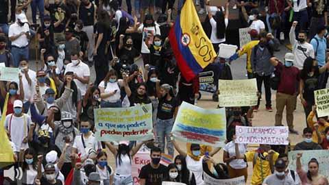 La organizaciones en defensa de los derechos humanos denuncian la 'política de muerte' y violencia sistemática del Gobierno de Colombia