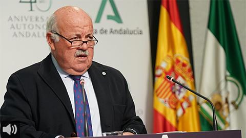 La Junta de Andalucía trabaja en un plan para administrar un millón de dosis por semana y ya comienza a vacunar a las personas menores de 60 años
